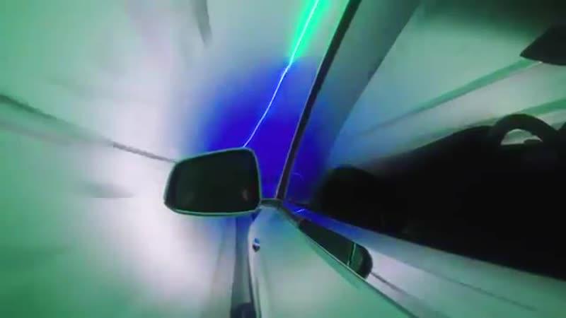 Компания Илона Маска показала, как работает тоннель для машин под Лос-Анджелесом. Тачки будут летать со скоростью 240 км/ч.