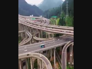 Одна из самых сложных автострад на планете