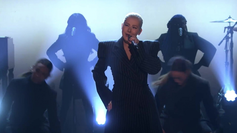 Christina Aguilera - Fall in Line ('18 The Tonight Show Starring Jimmy Fallon)