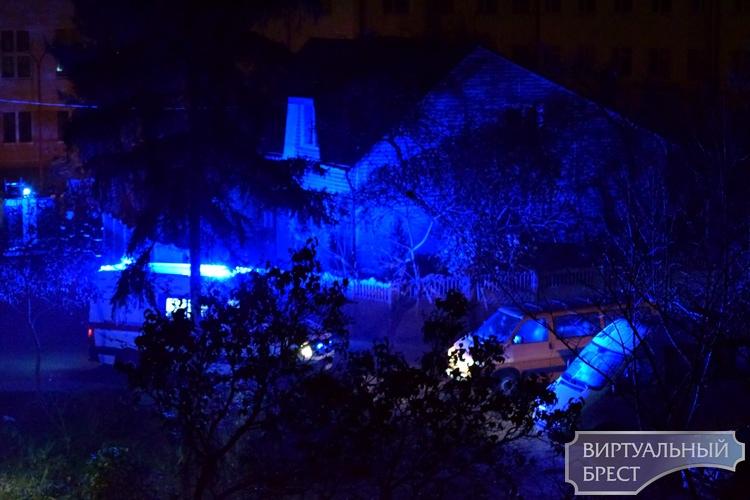 Ночью в Бресте на ул. Гоголя сотрудники МЧС спасли пенсионерку из задымленной квартиры