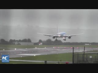 Pilot nails sideways landing in 40-knot crosswinds at Bristol Airport