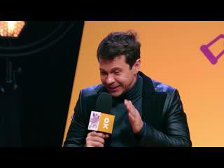 Анекдот шоу: Павел Деревянко про веселого врача