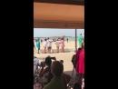 2018-08-13 ES, Sanlúcar de Barrameda: Wütender Protest beim Eintreffen von Merkel
