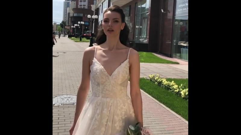 бэкстейдж со съёмок новой коллекции 📸😍 _ стилисты @ goroshek_ekb макияж @ antipina_alla прическа @ olesya_urbanovich буке