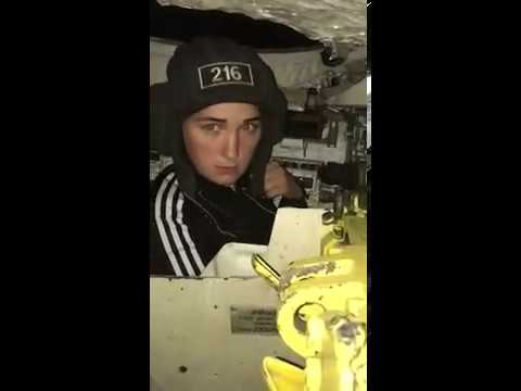 Офицер танкист взял жену на работу. Чтобы больше не спрашивала чем он там занимается