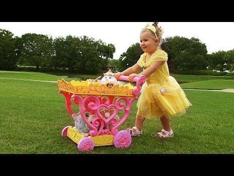 ✿ ПРИНЦЕССА Диснея Белль НА ПРОГУЛКЕ Принцессы Belle Disney Princess Play Игры для Девочек Toy Cat 6