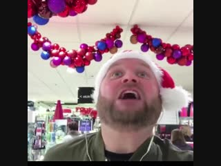 Рождественское песни в наушниках
