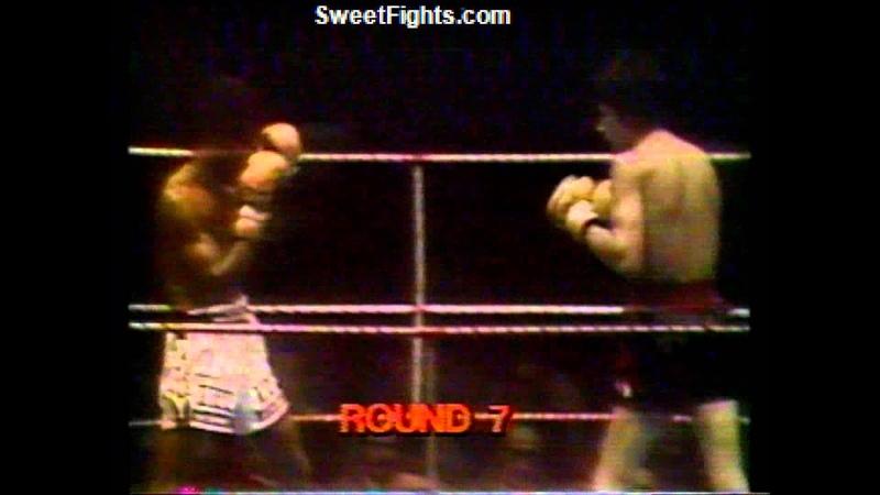 Carlos King Monzon fights Rodrigo Valdez Sweetfights.com
