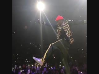 Выступление soulja boy с треком «crank that» на концерте «yams day»