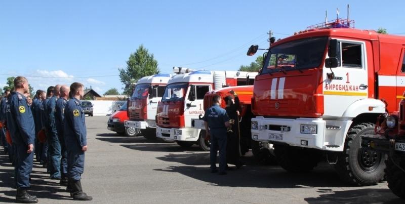 Освящение спецтехники пожарной охраны МЧС по ЕАО и благословения личного состава совершил священник Биробиджанской епархии.