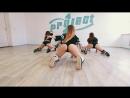 Офигительный тверк от молодых студенток к классными упругими секси попками большие жопы попы танец студентки