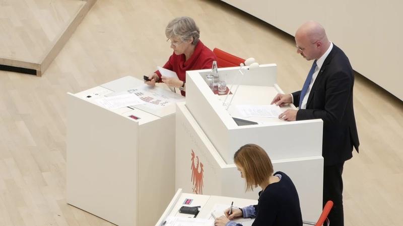 Kalbitz Wer bereit ist Deutschland abzuschaffen, dem kann auch die Demokratie nicht viel wert sein