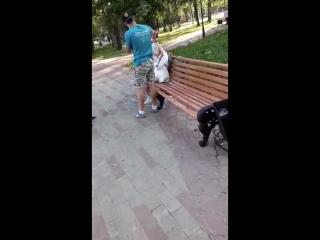 Гопники  пресуют  девочку 13-ти лет  (Москва)