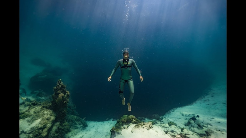 Come for an 80 meter (260 feet) freedive down Deans Blue Hole!