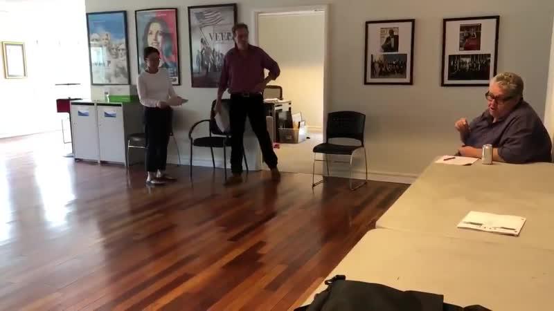 Хью Лори на репетиции к Veep
