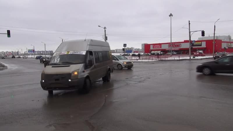 Отклонение крышки люка на перекрестке г. Волжский
