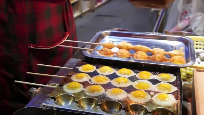 Закуска из перепелиных яиц Уличная еда Китая