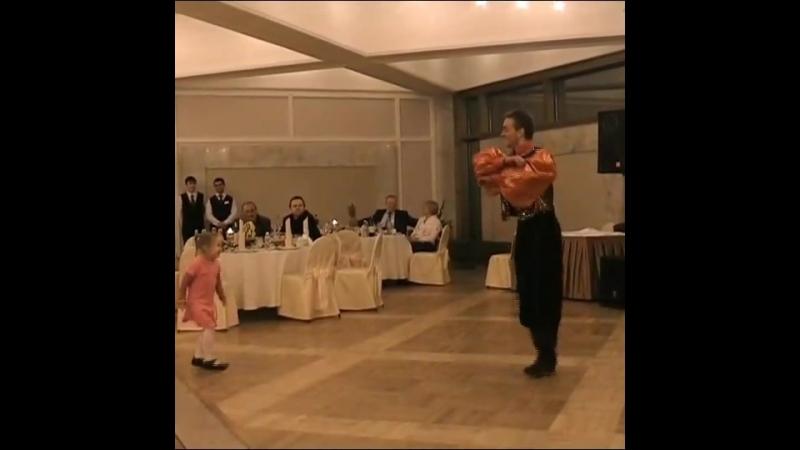 Gipsy tap dance kids.
