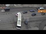Появилось видео массового ДТП в Уфе с участием элитной иномарки