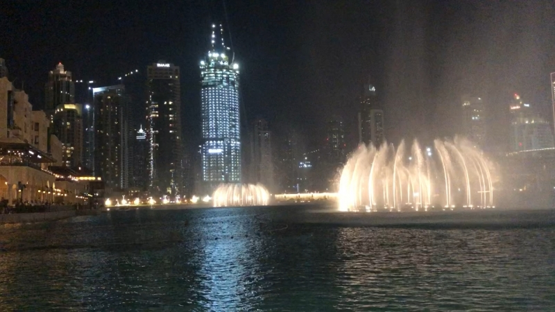 Поющий/танцующий фонтан в Дубае » Freewka.com - Смотреть онлайн в хорощем качестве