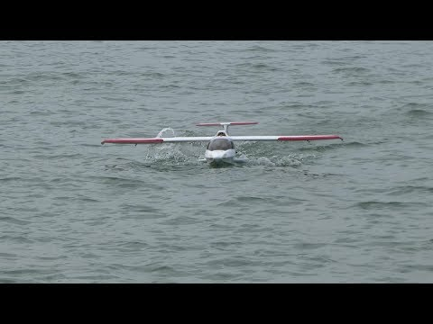 Big Scale RC Icon A5 Maiden Flight Ground and Water