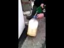Вот почему запрещают заливать бензин в пластиковую тару