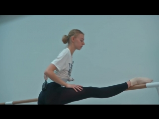 Как высоко поднять и держать ногу. Как тренируются балерины Большого театра (2)