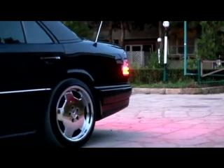 Mercedes_Benz_W124_E500_AMG_