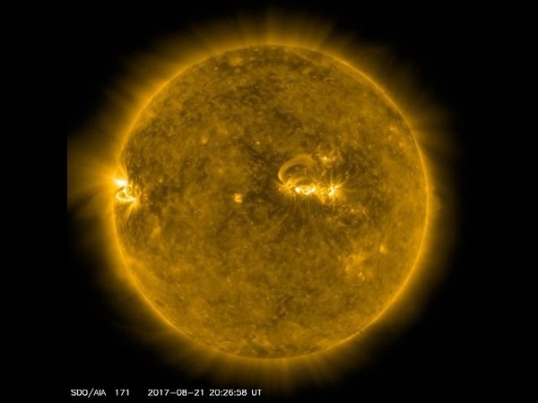 Sun Timelapse - AIA 171 - 04/24/2017 to 05/16/2018