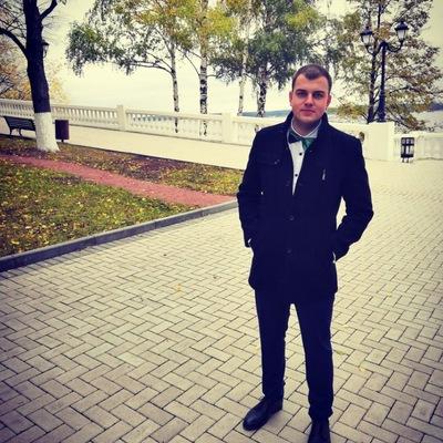 Владислав Илларионов