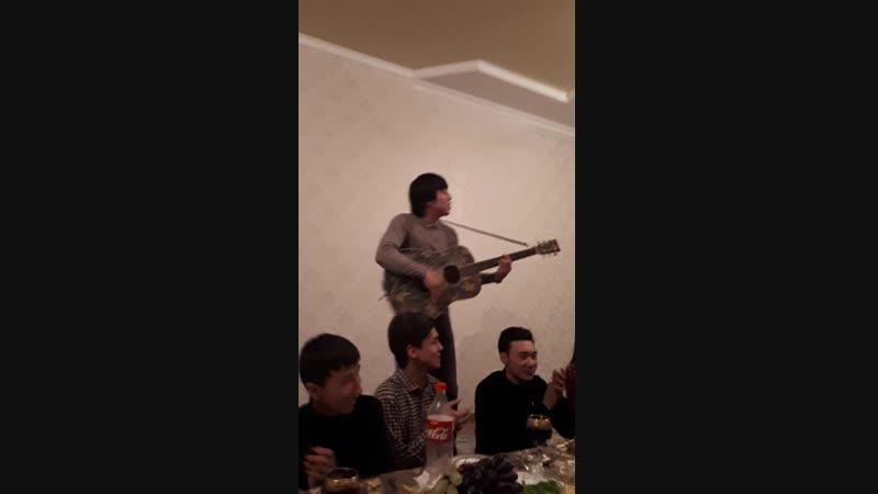 наваселияда Аселя уйінде қонақтамыз)