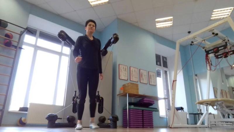 Стабилизация коленных суставов в Kinesis