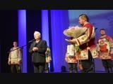 Ансамбль народной музыки Ватага.( Птицы белые) и Н. Д. Солженицына