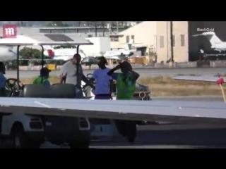 Iggy Azalea boards private jet | 17.09.18