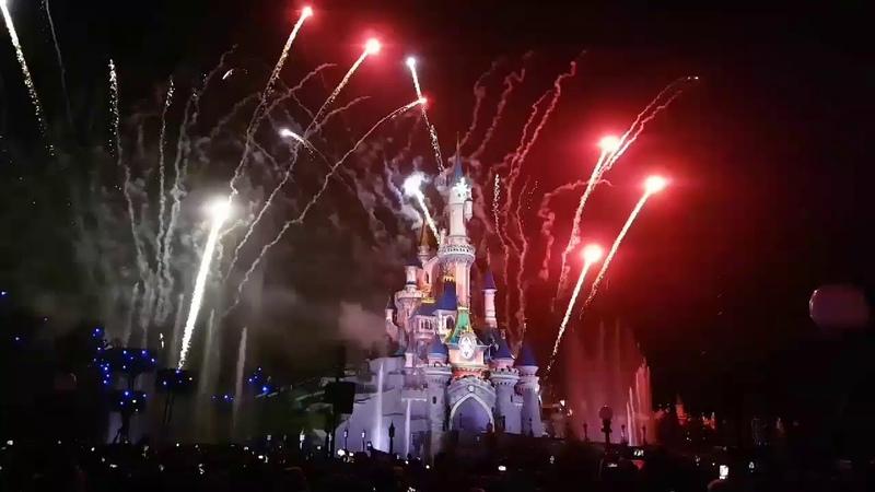 Disneyland Paris Celebrates France's World Cup 2018 Victory!