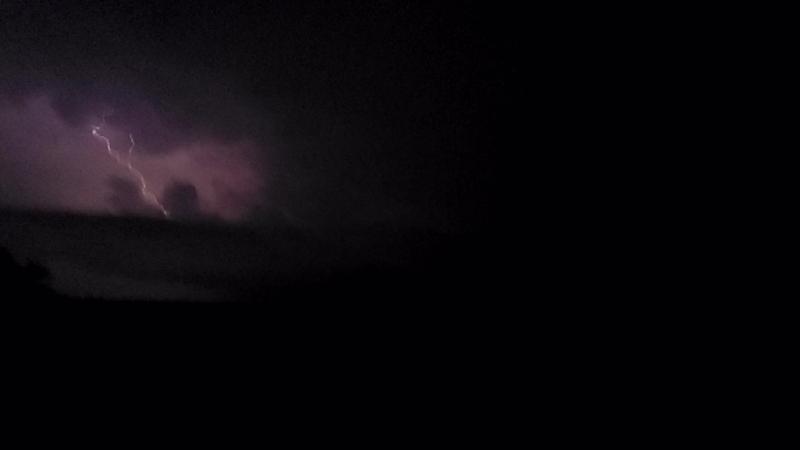 Лутугинское водохранилище. Молния. Ночь с 30 июня на 1 июля