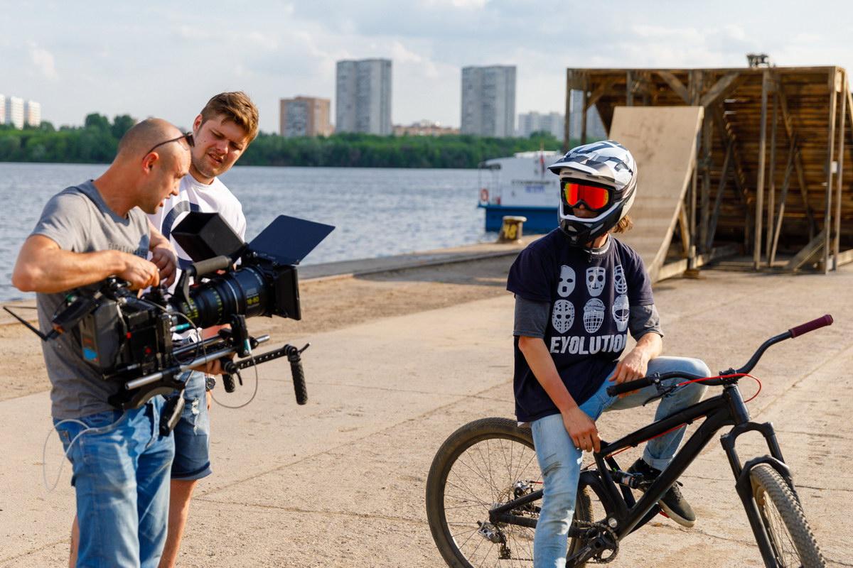 Блог им. Trial-Sport: GT: Евгений Курников принял участие в международном шоу «Лига удивительных людей»