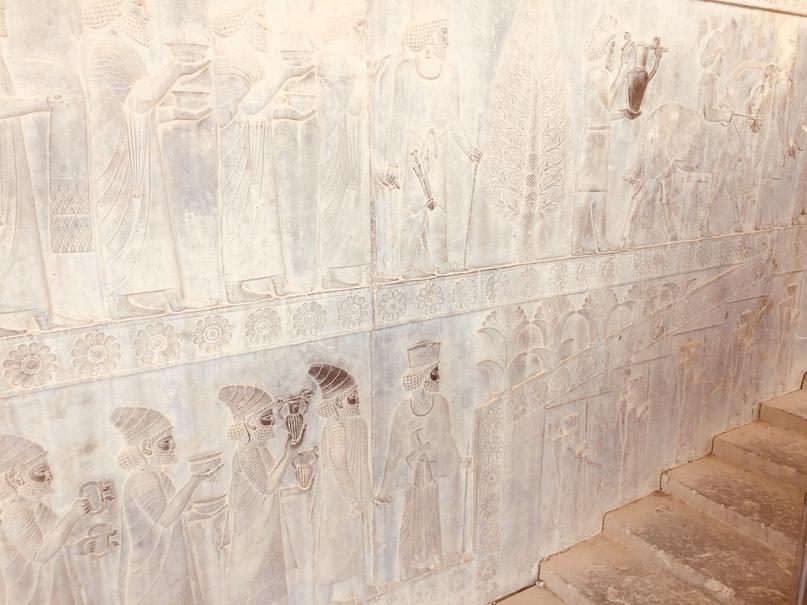 Пасаргад Персеполис Шираз. Украшение стен