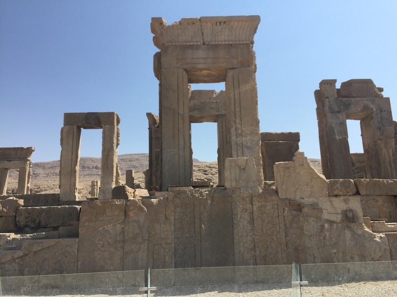 Пасаргад Персеполис Шираз. Это был храм