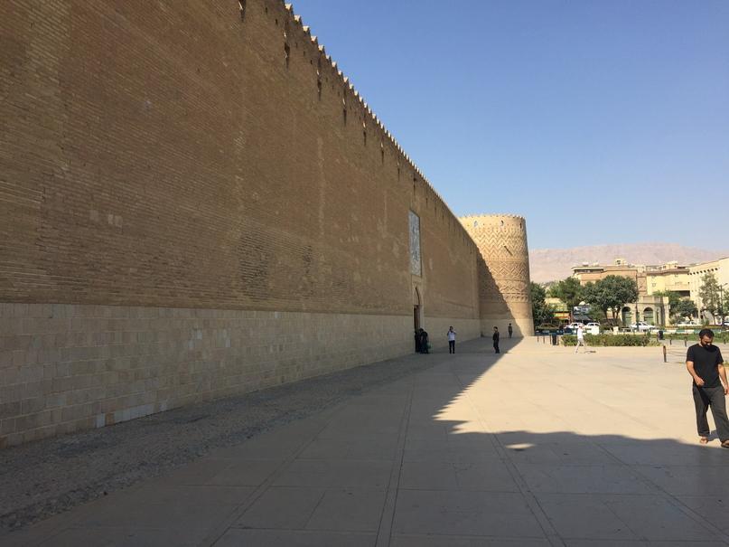 Пасаргад Персеполис Шираз. крепость Вакиль