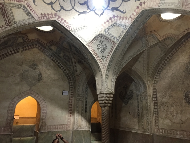 Пасаргад Персеполис Шираз. Хамам в крепости