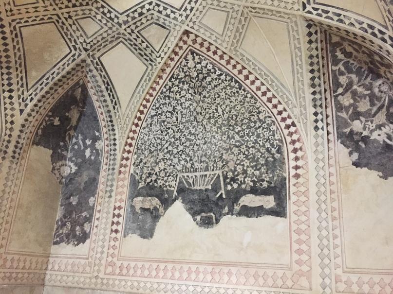 Пасаргад Персеполис Шираз. Убранство хамама