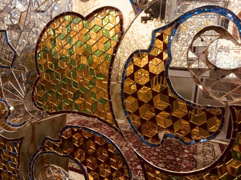 Пасаргад Персеполис Шираз. Цветные зеркала