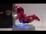 Потрясающая игрушка Летающий Железный Человек