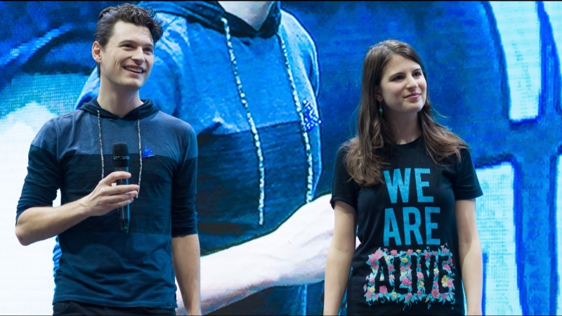 COMIC CON RUSSIA 2018 Крокус Экспо 07 10 2018 Bryan Dechart and Amelia Rose Blair