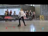 Очень красивое катание на роликовых коньках