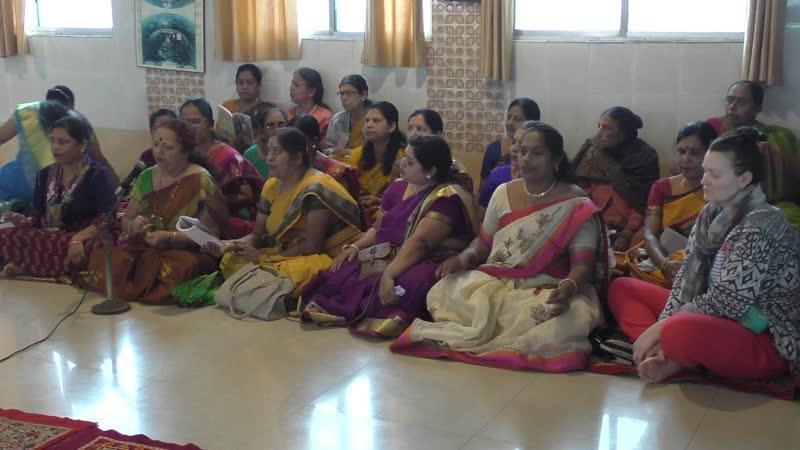 Сегодня в Храм пришли гости ..сели на пол и ( 2 часть )