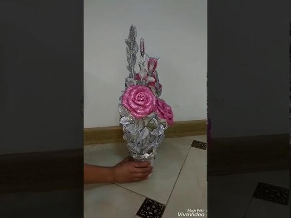 Розы из фоамирана блестящего в горшочке.
