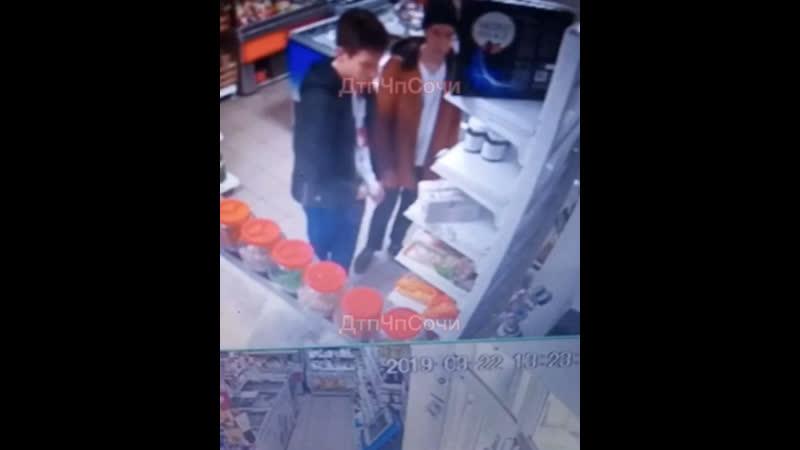 Украли «Нутеллу» из супермаркета