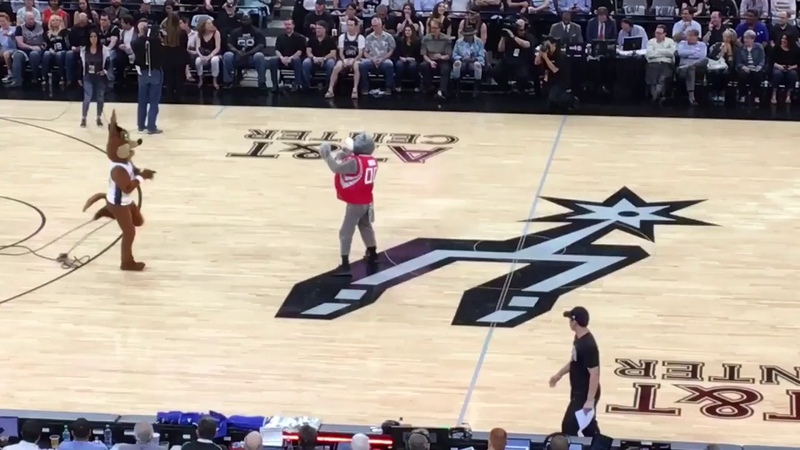 Mark Henry hits NBA mascot with chair
